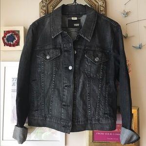 levi's dark grey denim jacket